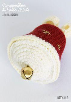 Campanellino o sonaglio per Natale a uncinetto con schema punti.