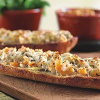 Crab and Shrimp Bread is a great appetizer to serve your friends this Lenten season