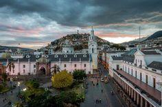 Plaza de la Independencia et Panecillo, Quito, Equateur. Photo by John Nicholson — National Geographic Your Shot