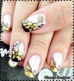 Golden flower nail art on a black french manicure & black nail art on a golden french maicure ♥ Great Nails, Perfect Nails, Gorgeous Nails, Cute Nails, Nails Now, Floral Nail Art, Nail Candy, Fancy Nails, Cute Nail Designs