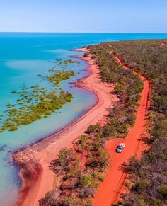 In the mood for a colourful road trip? Steer your wheel towards in 🚗 The magical landscape is so captivating… Broome Western Australia, Australia Beach, Australia Travel, Queensland Australia, Australia Landscape, Destinations, Beautiful Places To Travel, Travel Aesthetic, New Wall