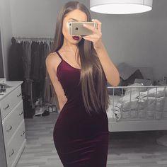 """@fashionnova red velvet dress  ( 15% dc: """"XOSHARI""""  )"""