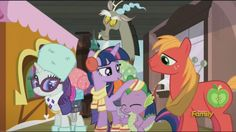 https://derpicdn.net/img/view/2016/8/27/1234944__safe_twilight+sparkle_rarity_screencap_princess+twilight_spike_big+macintosh_discovery+family+logo_unamused_animation+error.jpeg