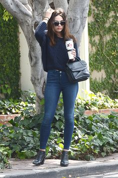crystal-reed-in-tight-jeans-leaving-cafe-alfred-june-2015_1.jpg (1280×1920)