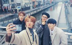 selfie group [ hoshi, wonwoo and vernon ] Going Seventeen, Vernon Seventeen, Seventeen Album, Seventeen The8, Woozi, Wonwoo, Jeonghan, Hip Hop, Adore U