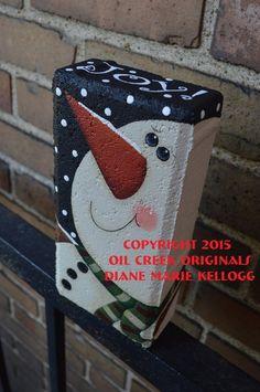 15007 Primitive Snowman Brick Pattern Packet Oil Creek Originals Painted Bricks Crafts, Brick Crafts, Painted Pavers, Painted Rocks, Cement Pavers, Brick Projects, Concrete Blocks, Outdoor Christmas Tree Decorations, Snowman Decorations