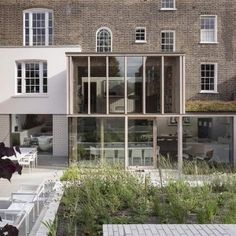 Opening up a London town house. East London House extension by David Mikhail Architects Design Studio, House Design, 19th Century London, Glass Extension, Extension Ideas, Brick Garden, Villa, Georgian Homes, London House