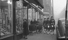 Old Photographs Of Glasgow Rare Photos, Old Photos, Gorbals Glasgow, Argyle Street, Scottish People, Family History Book, Glasgow City, Glasgow Scotland, Old Street