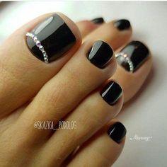 New gel pedicure designs toenails cute nails Ideas Black Toe Nails, Pretty Toe Nails, Cute Toe Nails, Fall Toe Nails, Pretty Pedicures, Toe Nail Color, Toe Nail Art, Nail Colors, Toe Nail Polish