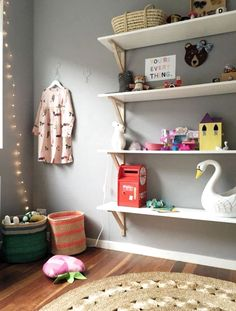 Perfect Childrens Room Design Ideas In Different Styles 06 Girl Room, Girls Bedroom, Kids Room Shelves, Toy Shelves, Ikea Shelves, Deco Kids, Playroom Organization, Kids Room Design, Kid Spaces