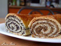 Saviecuta cu mac si nuca (Baigli) | Retete culinare cu Laura Sava - Cele mai bune retete pentru intreaga familie World Recipes, My Recipes, Cake Recipes, Dessert Recipes, Romanian Desserts, Romanian Food, Pastry Cake, Sweet Cakes, Something Sweet