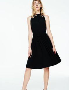 Chic Full Skirted Dress (Black)