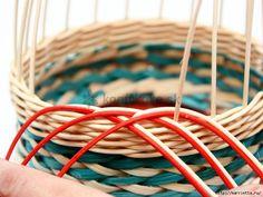 How to DIY Weave Cardboard Bottom Rattan Basket Sand Crafts, Diy Crafts, Paper Weaving, Rattan Basket, Paper Basket, Shower Gifts, Basket Weaving, Gift Baskets, Clothes Hanger