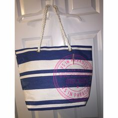Victoria Secret Beach Bag★ Never used. Tags still attached. No trades❌❌ NO LOWBALLING! THIS IS A FIRM PRICE! Victoria's Secret Bags Totes