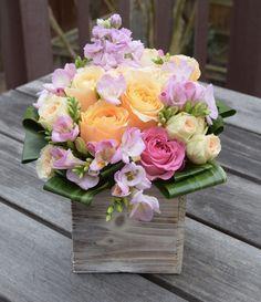 Flower gift in a wooden box. Floral Bouquets, Wedding Bouquets, Wedding Flowers, Silk Arrangements, Beautiful Flower Arrangements, Deco Floral, Floral Design, Beautiful Roses, Beautiful Flowers
