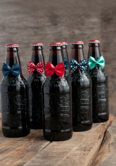 Need a quick and easy Father's Day Gift Idea to create with the kids? These cute and creative Bow Tie Beers from This Heart of Mine are the perfect way to give Dad a fun and relaxing Father's Day! Cool Birthday Cards, Birthday Party Tables, Birthday Ideas, Fathers Day Crafts, Gifts For Father, Pasta Crafts, Birthday Cake Illustration, Father's Day Diy, Dad Day
