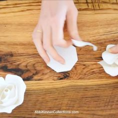 DIY Giant Dahlia Paper Flowers: How to Make Large Paper Dahlias. Easy step by step - How to make giant paper flowers for a flower wall. Paper Dahlia, Paper Peonies, Paper Roses, Dahlia Flowers, Hibiscus Flowers, How To Make Paper Flowers, Large Paper Flowers, Giant Paper Flowers, Sugar Skull Crafts