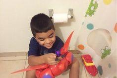 ¡Auxilio! ¡Mi hijo no me deja ir al baño tranquila!
