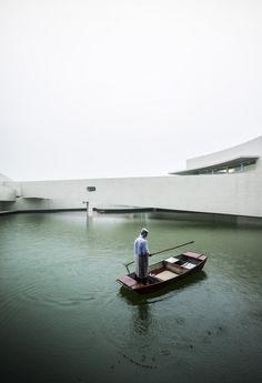 edifício sobre a água - jiangsu china - alvaro siza + carlos castanheira - photo by fernando guerra fg+sg