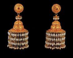 Gold Jhumka Earrings, Jewelry Design Earrings, Gold Earrings Designs, Necklace Designs, 1 Gram Gold Jewellery, Gold Jewellery Design, Gold Jewelry, Beaded Jewelry, Kerala Jewellery