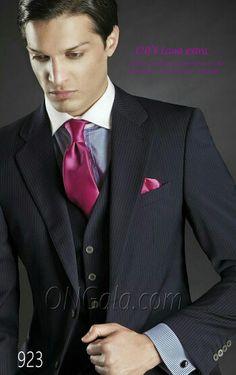 Colección Gentleman British Style online www.comercialmoyano.com MadeinItaly WWW.OTTAVIONUCCIO.COM Bespoke Excelencia #Bodas2015 #Sartoria #Luxury #Online www.comercialmoyano.com