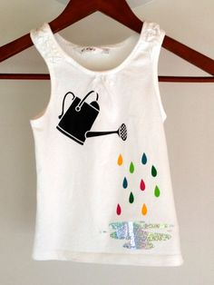 Sur la boutique L-Idée-Bulle (Diy Ropa Body) Fabric Paint Shirt, Paint Shirts, T Shirt Painting, Shirt Print Design, Shirt Designs, Knit Fashion, Fashion Outfits, Fabric Paint Designs, Denim Art