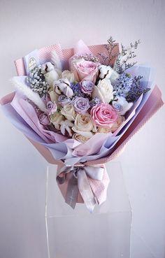 Beautiful Bouquet Of Flowers, Beautiful Flower Arrangements, Diy Wedding Flowers, Floral Arrangements, Beautiful Flowers, How To Wrap Flowers, Bunch Of Flowers, Gift Bouquet, Boquet