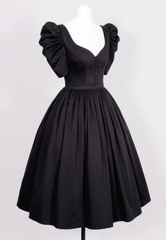 Modest Dresses, Stylish Dresses, Stylish Outfits, Short Dresses, Pretty Outfits, Pretty Dresses, Beautiful Dresses, Witch Dress, Frock For Women
