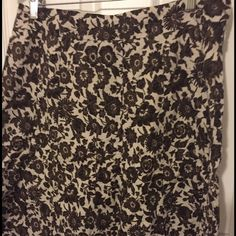 Floral skirt Ann Taylor fully lined skirt 100% cotton Ann Taylor Skirts A-Line or Full
