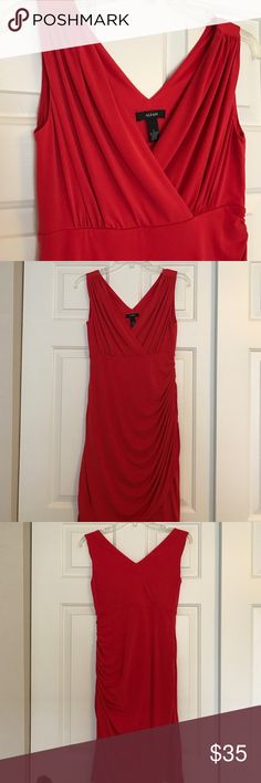 Alfani faux- wrap dress ⏰daylight savings sale! Beautiful true red color with flattering side ruching and empire waist. EUC, gently worn with no stains/holes or damage. Machine washable Alfani Dresses