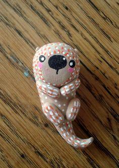 """Totem de poche """"Ma loutre"""" oMamaWolf figurine en céramique : Art céramique par omamawolf"""