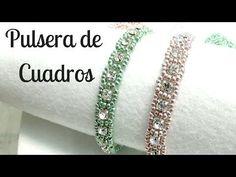Schmuck Selber Machen a hacer una pulsera a cuedros Todo el material esta en mi tienda on-line. Beaded Bracelets Tutorial, Bead Loom Bracelets, Bracelet Crafts, Handmade Bracelets, Beading Tutorials, Beading Patterns, Bead Jewellery, Beaded Jewelry, Bracelet Patterns