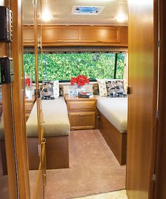 Rv floorplan 265 lazy daze midbath model tiny house petite lazydazekodiakbeds and also seating area wish lazy daze would build a 30 foot model on fandeluxe Choice Image
