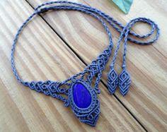 Collier en macramé de lapis lazuli, bijoux en macramé, collier, bijoux lapis lazuli, micro macramé, collier de pierres précieuses, tour de cou en macramé