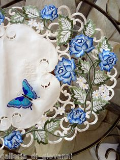 "Garden Rose Lacetable Runner 28"" Flower Doily Blue Roses Flower Floral 