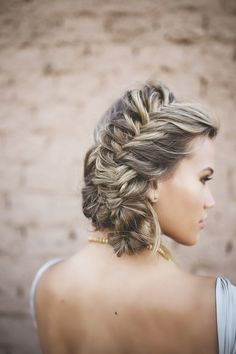 Women Hairstyles Midlength Take a look at this unique wabi sabi wedding inspiration shoot with unique ideas for a desert wedding by Liz Anne Photography and For The Love Events Braided Hairstyles For Wedding, Weave Hairstyles, Pretty Hairstyles, Bridal Hairstyle, School Hairstyles, Prom Hairstyles, Hairstyle Braid, Chic Hairstyles, Braided Updo