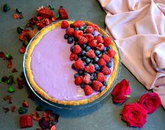 Diese fruchtig frische Blaubeer Tarte ist perfekt für heiße Sommertage! Cremig leichte Mousse auf knusprigem Mürbteigboden - klappt auch wunderbar in der No-Bake Variante. Mousse, Short Pastry, Cake Ideas, Blueberry, Raspberry, Baking, Fruit, Easy, Recipes