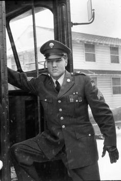 here's another from 1960 on Elvis' return to the U.S