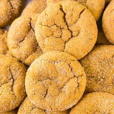 A buttery, soft, and chewy snickerdoodle cookie made with pumpkin puree and cozy fall spices. DELICIOUS, and just 100 calories each!