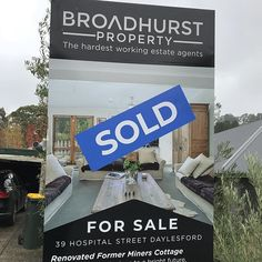 Its official the sold sign has gone up and in 56 days Miss Daisy will be moving to Melbourne. So excited jumping out of my skin. Now just need to find a job. Thank you massively to @broadhurst.property X #racheldaisy #missrdaisy #melbourne #melbourneblogger #moving #relocating #ilovemelbourne #melbournestyle #lifestyle #citygirl #home #homestyle #melbournejobs #melbourneemployment #excitement #happy #love #style #thankyou #daisystyle #daisylove