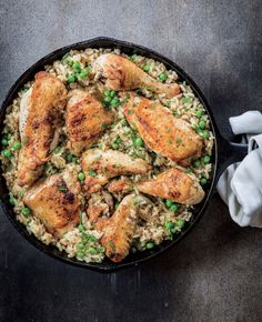 There's something about the pairing of chicken and rice that is so appealing and comforting, and these paella-like dishes are definitely perennial crowd-pleasers. Winner Winner Chicken Dinner, Cast Iron Cooking, Best Chicken Recipes, Skillet Chicken, One Pot Meals, I Love Food, Recipies, Dinners, Turkey