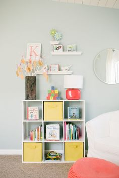 Love the way these shelves are styled! #nursery #nurserydecor