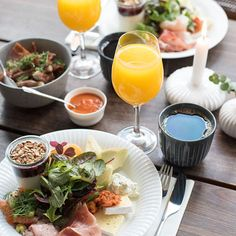 Enjoy a slow morning with a lovely breakfast served on Kähler products.