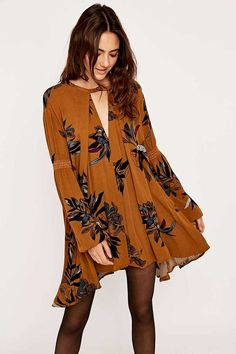 Free People Tree Swing Tunic - Urban Outfitters from Urban Outfitters. Shop more products from Urban Outfitters on Wanelo. Look Hippie Chic, Look Boho, Bohemian Style, Boho Chic, Boho Hippie, Fall Fashion Trends, Boho Fashion, Fashion Beauty, Fashion Outfits