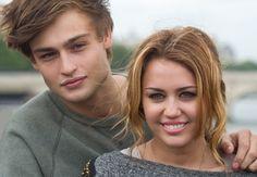 Douglas Booth et Miley Cyrus dans LOL USA