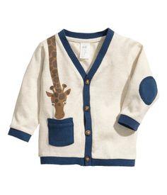 H&M Fine-knit cardigan 12,95 € Que gira é aquela girafa! E o papá adora o estilo do casaquinho de malha! <3