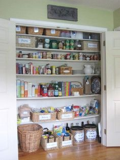 150 Dollar Store Organizing Ideas and Projects for the Entire Home. Loovveee the pantry being so organized and labeled. And boyfriend actually has room for this in his pantry...