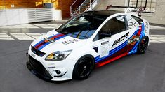 Ford Focus RS mk2 in #martini colour with black alloy wheels
