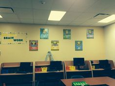 """construction """"learning zone: put your brain to work!"""" reading strategies wall."""