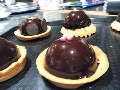 Mousse alla crema inglese con glassa al cioccolato